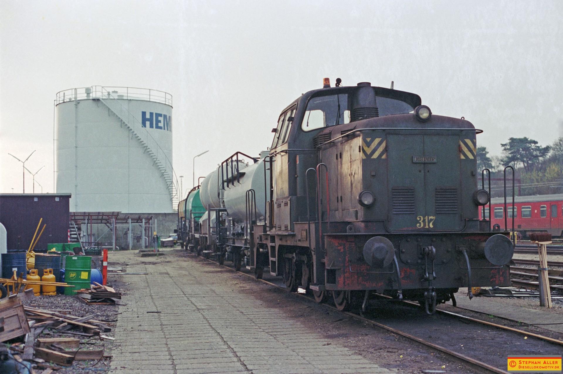 FN1948r.jpg